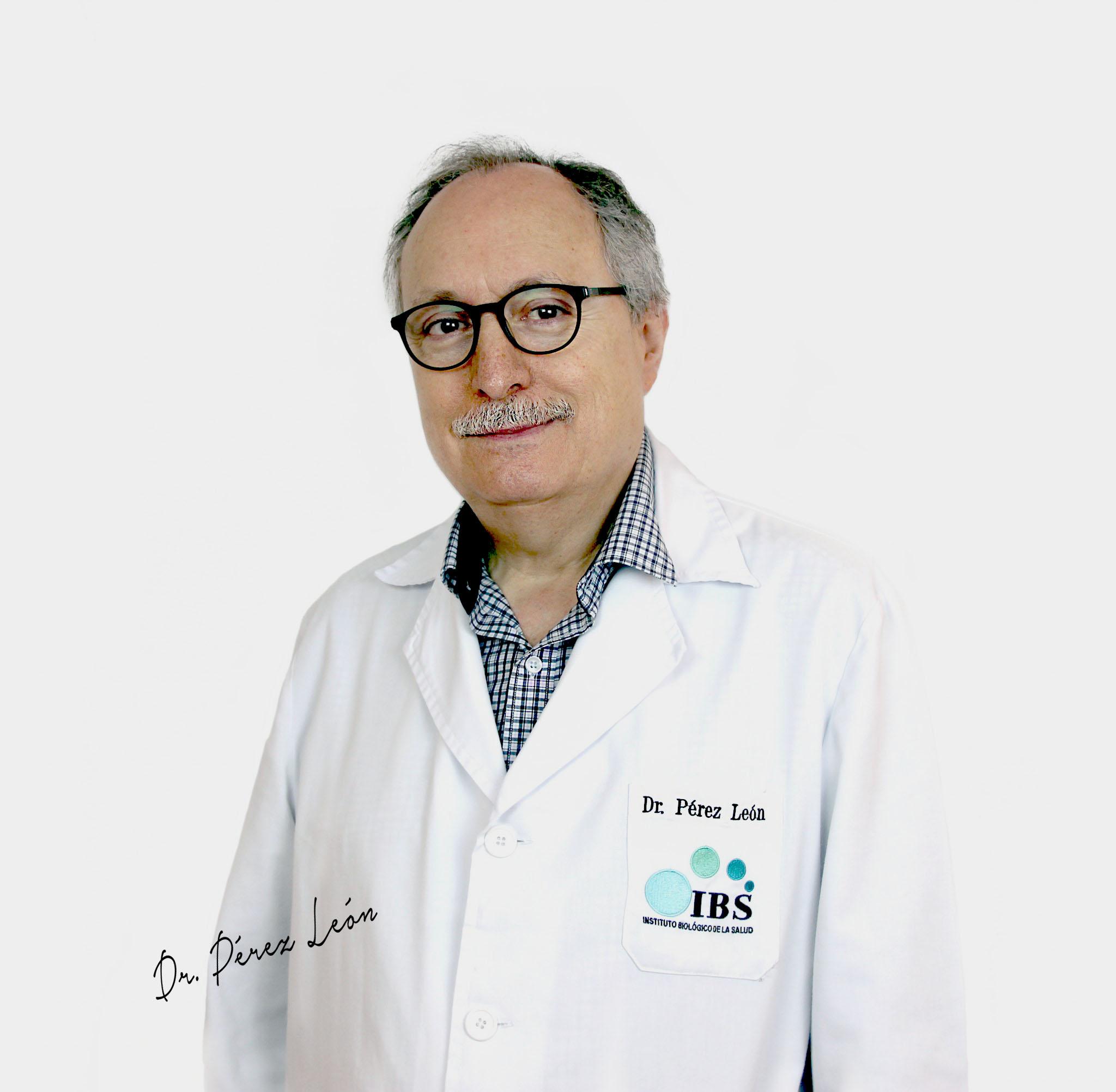 doctor perez leon, director Médico IEBS
